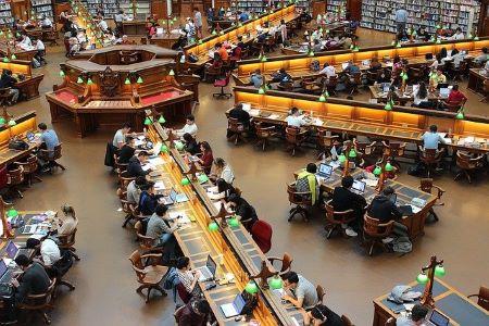 studeren in bibliotheek